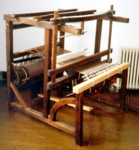 """45"""" 2-shaft English-style barn-frame loom with back and center uprights and overhead beater."""