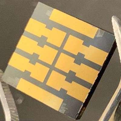 'Molecular glue' makes perovskite solar cells dramatically more reliable over time