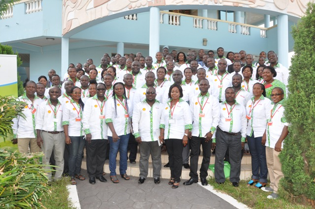 A group picture of the Retailers at the conference
