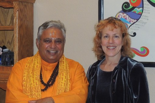 Rabbi ElizaBeth W. Beyer (right) with Rajan Zed (left).