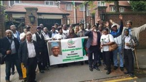 JUST IN: International Jubilation!!! Hundreds Of Nigerians Storm Abuja House, London, To Praise President Muhammadu Buhari