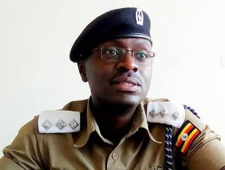 Top Police Officer Shoots Two Attackers Dead