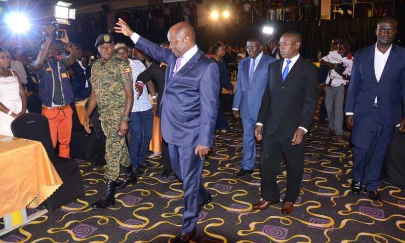 Kabaka Mutebi Makes Grand Appearance At Sir Mesach Ssemakula Concert
