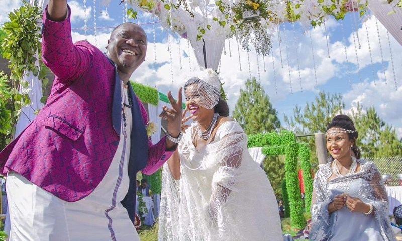 Comedian Salvador, Fiancée   Hold Massive Introduction Ceremony