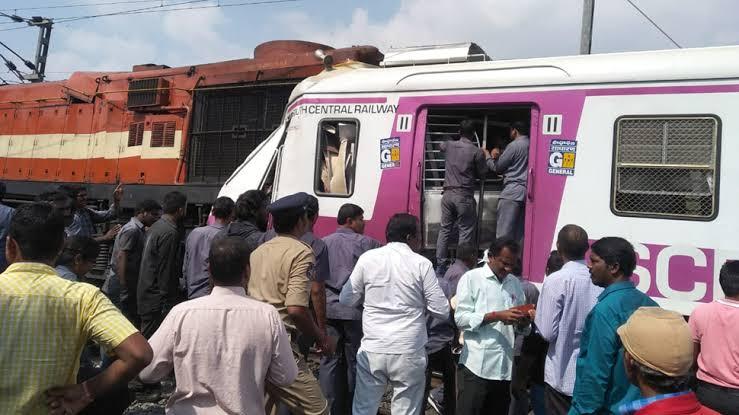 Tragedy As Two Passenger Trains  Crash In India, Scores Injured