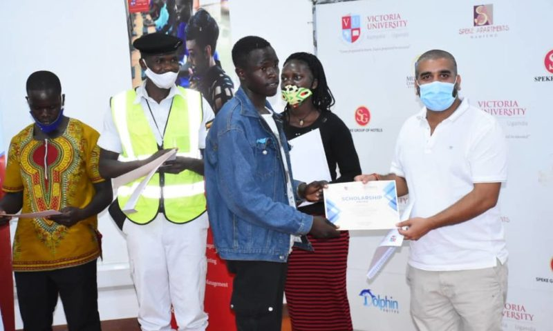 Pomp & Glamour As Traffic Officer, Four Others Scoop Juicy Scholarships At Victoria University