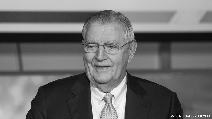 Walter Mondale: Former US Vice President Dies Aged 93