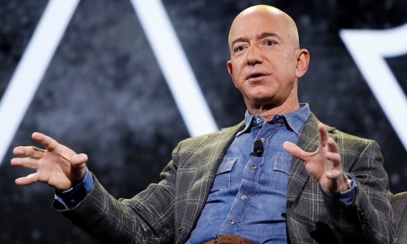 World's Richest Man Jeff Bezos Resigns As Amazon CEO, Earns $4B In A Day, Worth $203Billion
