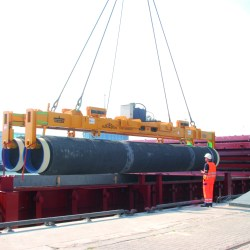 Trans-shipment of pipe joints from Mukran (Germany) to the inter