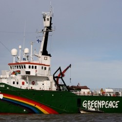 Greenpeace-Arctic_Sunrise-Crop