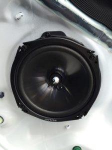 speaker-change13