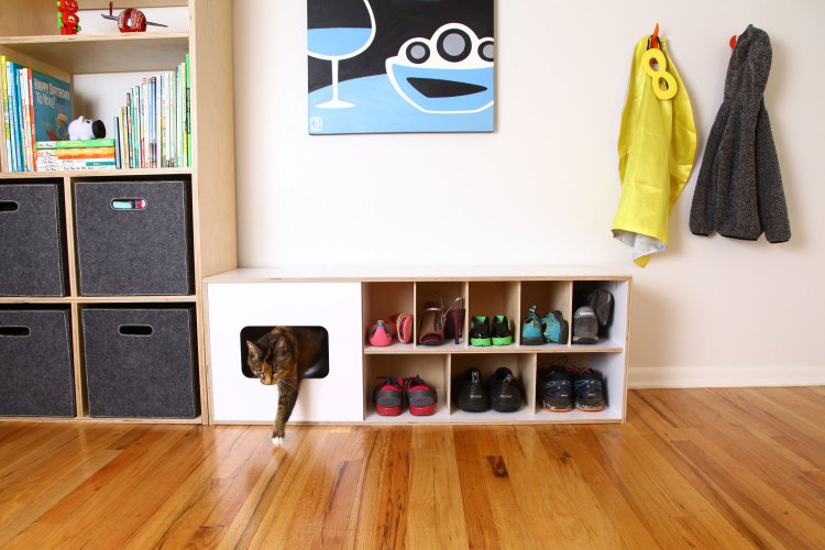 MODERN SHOE BENCH WITH CAT HOME