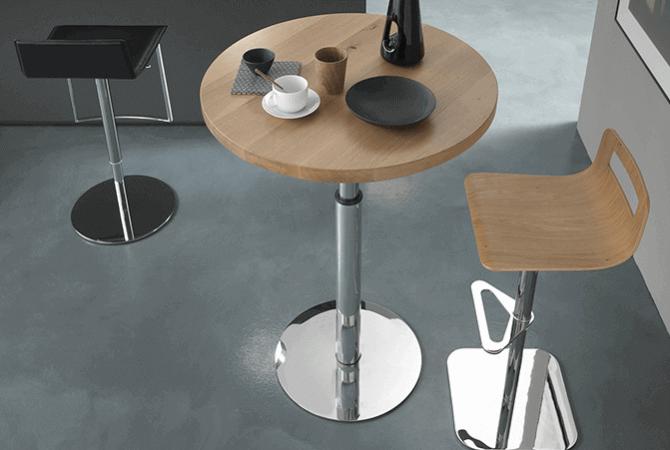 petite cuisine avec une table modulable