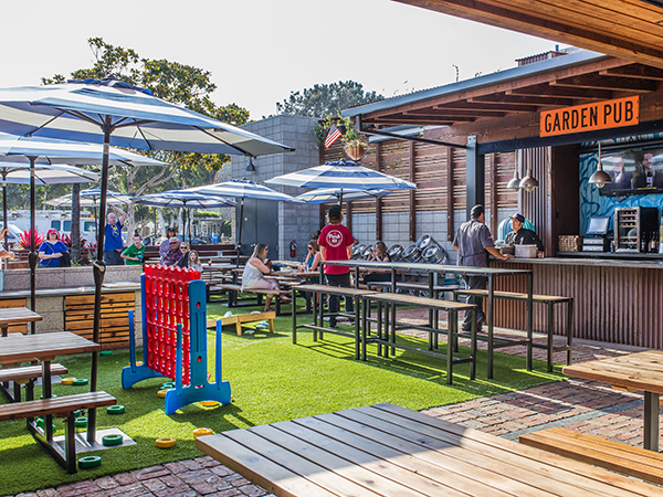 Park 101 Outdoor Restaurant and Pub