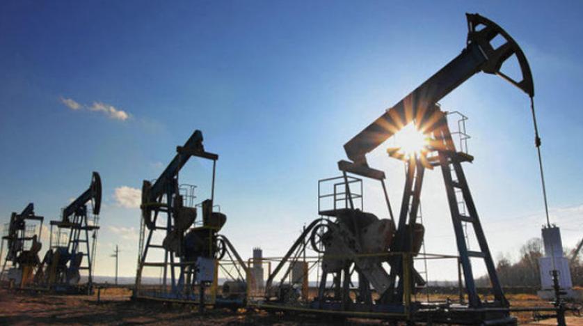 النفط يرتفع مع ترقب خفض أسعار الفائدة المصرفية الأمريكية
