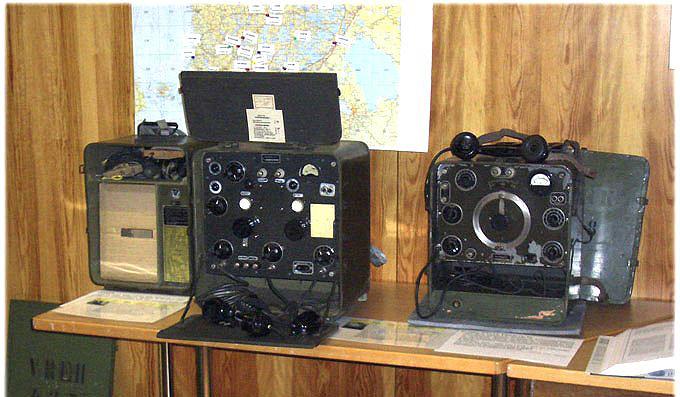 Vanhat radiot VRFKCB ja VRFG.