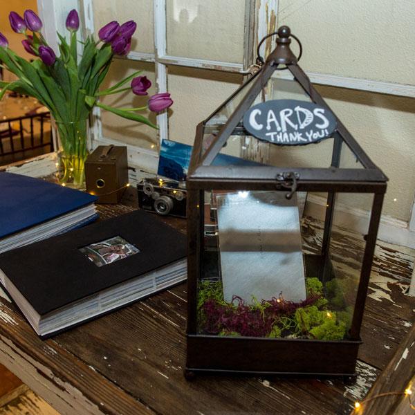 Glass-terrarium-bronze-card-box