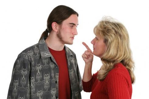 Roditeljske kazne: Nekad udarci, danas kuhanje mobitela