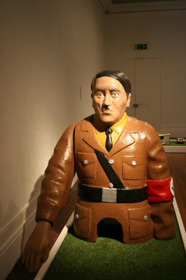 Britanci igrali mini golf s Hitlerom