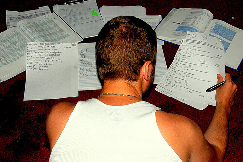 Znanstvenici: Previše zadaće mlade čine bolesnima