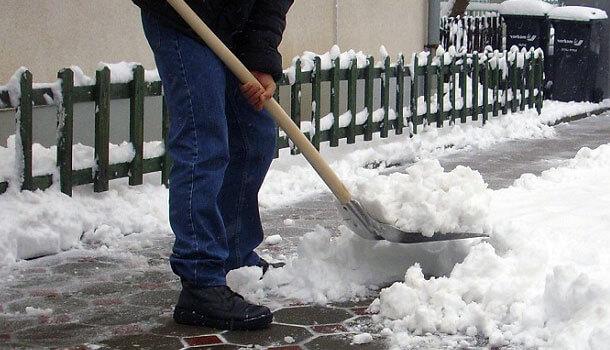 Student servis u 'kaosu' zbog studenata koji žele čistiti snijeg