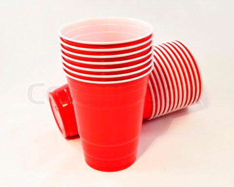 Studenti se protiv usamljenosti u menzi bore crvenim čašama