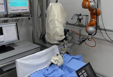 FSB-ovci izradili robot koji će obavljati kirurške operacije mozga