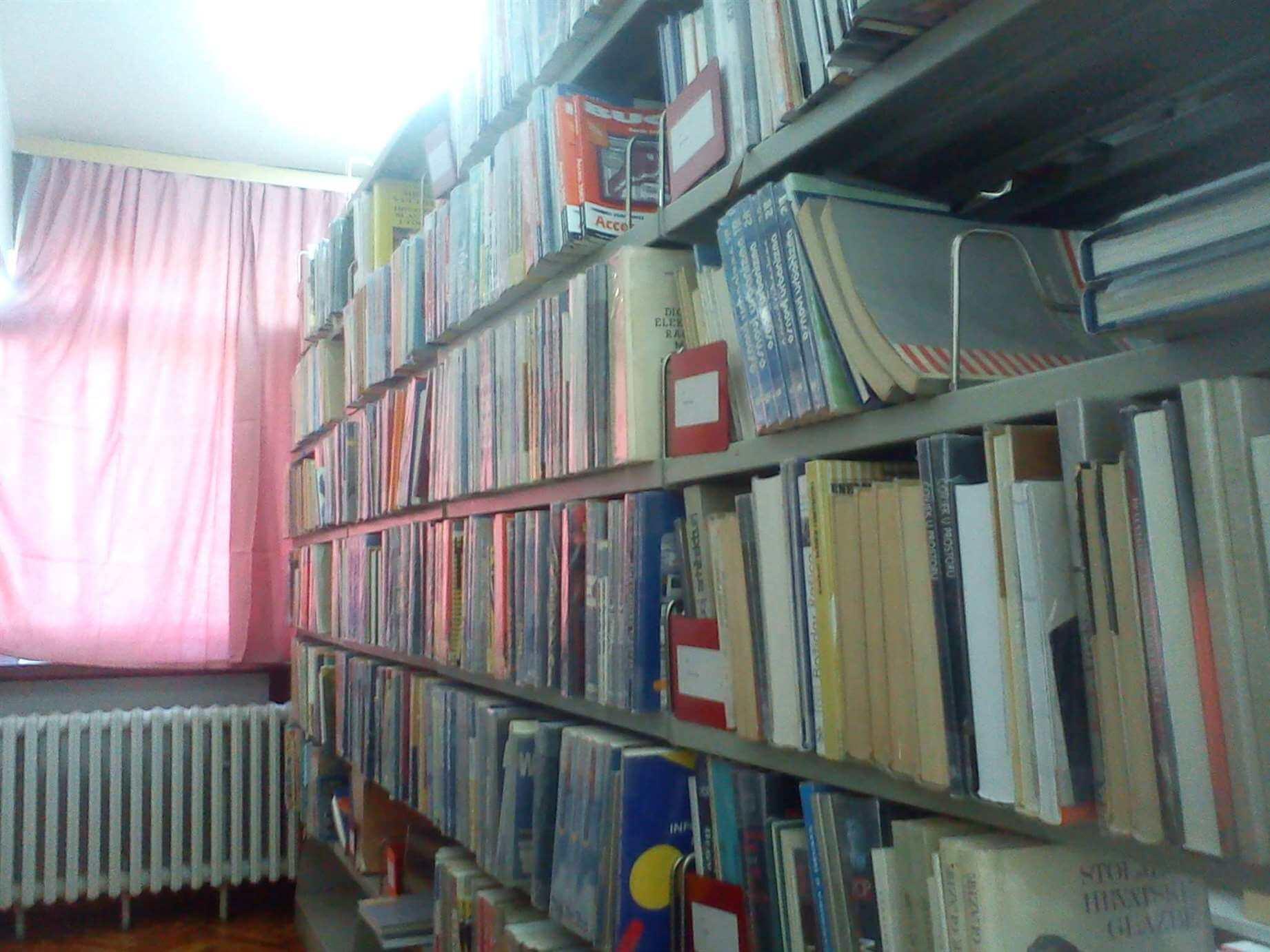 Vlada odlučila koji učenici imaju pravo na sufinanciranje udžbenika