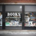 Bookman's Corner u Chicagu klijente privlači pomno osmišljenim kreativnim neredom u izlogu