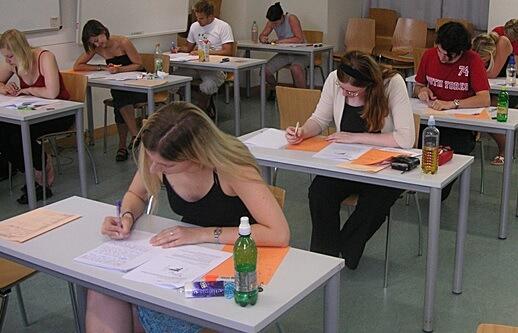 Učenici s poplavljenih područja od danas polažu dio odgođenih ispita državne mature
