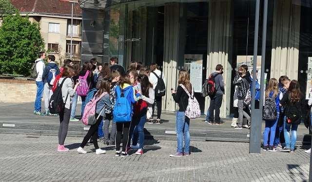 Za jesenski rok ostalo manje od šest tisuća slobodnih mjesta u školama