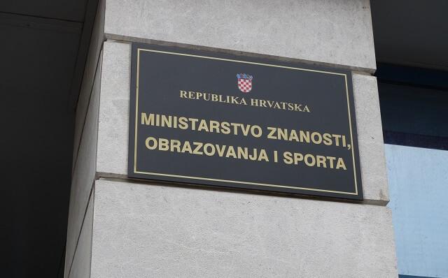 Više od 400 inspekcijskih nadzora u hrvatskim srednjim školama tijekom 2014. godine
