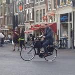 Kao što smo napomenuli i direktori i prosjaci u Amsterdamu su na biciklima
