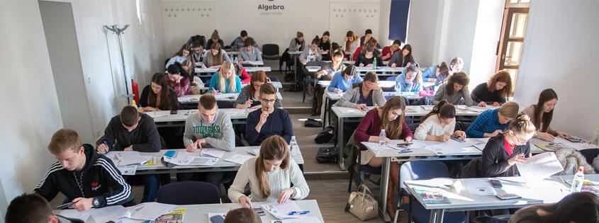 Istraživanje srednja.hr: Profesori slabo utječu na odabir profesije