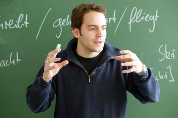 Pitali profesora zašto se nikada nije oženio pa ih njegov odgovor ostavio u čudu