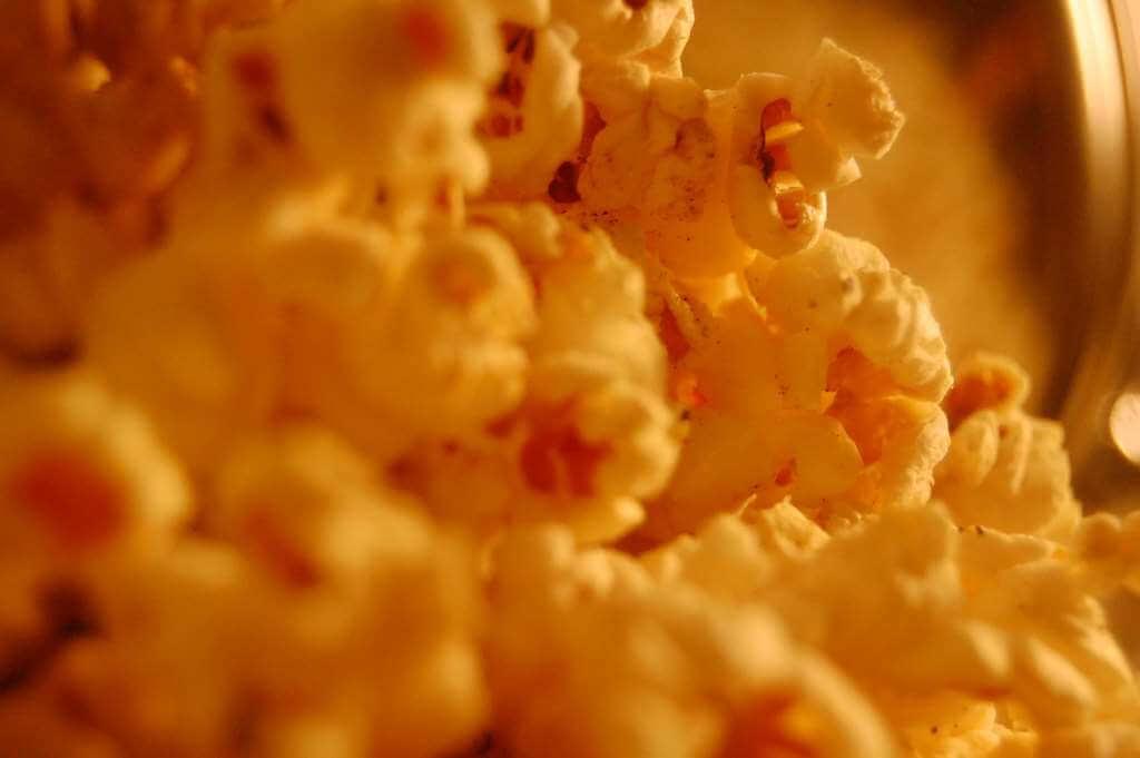 Zašto su baš kokice sinonim za grickalice u kinu?