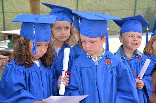 Apsurd specijalističkih studija: Studij smo platili preko 40.000 kuna, a od diplome nemamo koristi