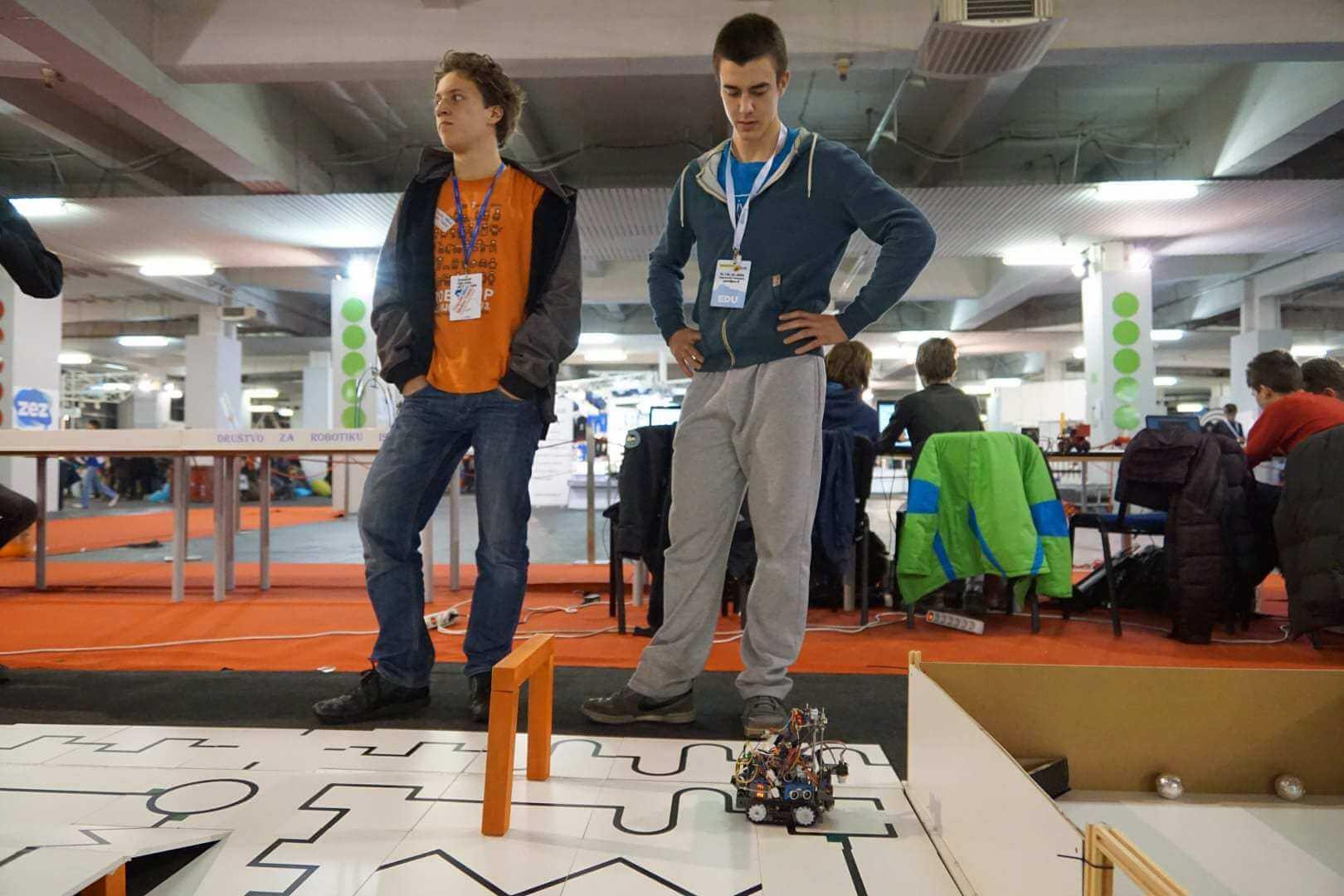 Crobotix: entuzijasti, stvaratelji, kreativci. I prvaci Europe u robotici