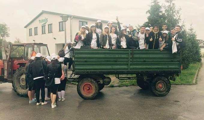 Nećete vjerovati u čemu su se maturanti Medicinske škole Varaždin dovezli na proslavu mature!