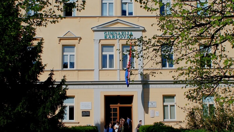 10 škola Karlovačke županije koje upisuju najbolji učenici