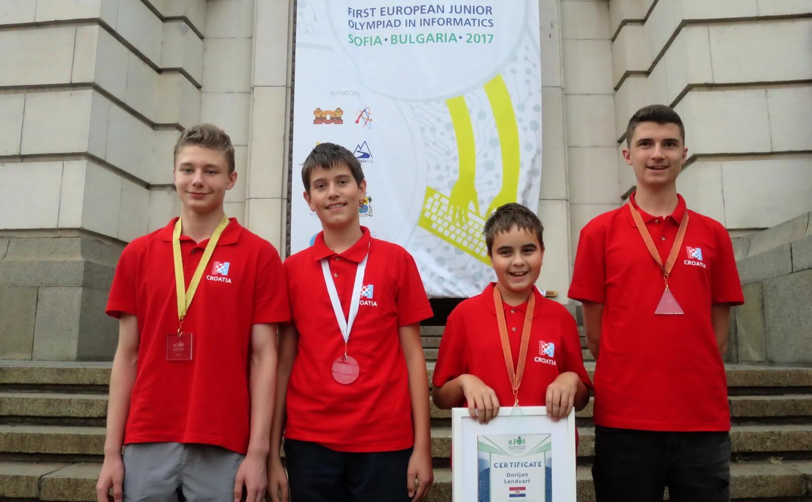 Hrvatski školarci nastavljaju rasturati: S europske informatičke olimpijade kući donijeli 4 medalje