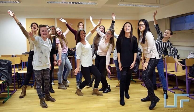 Studenti Učiteljskog fakulteta snimili raspjevanu i toplu božićnu čestitku koja će vas baš razveseliti