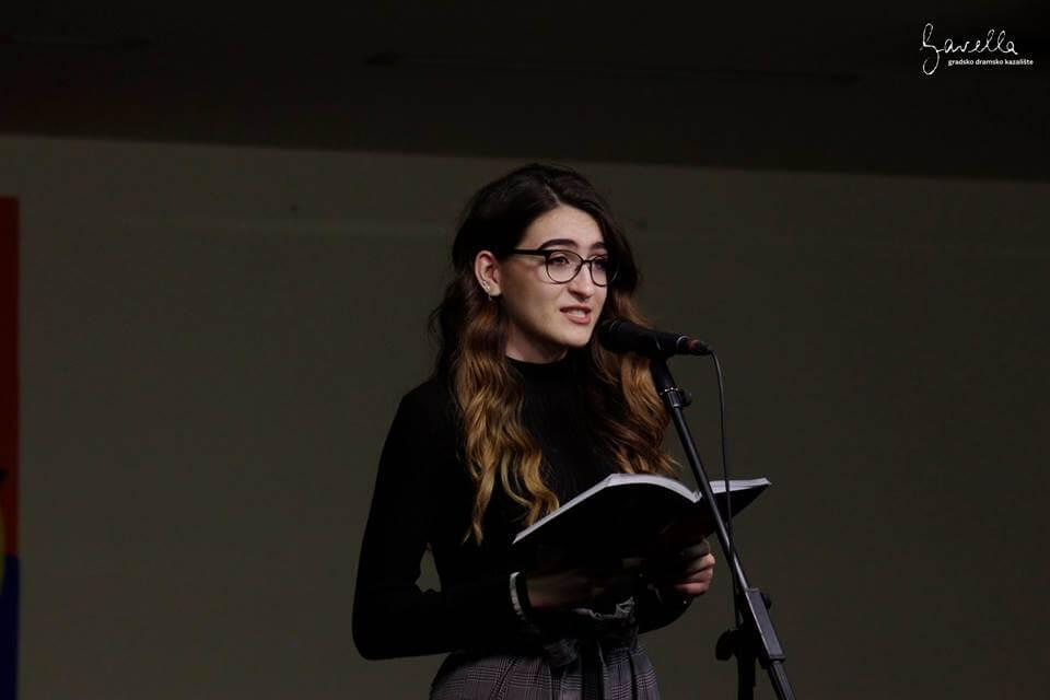 [LiDraNo '18] Kroz poeziju o našem školskom sustavu koji od nas stvara prazne kutije