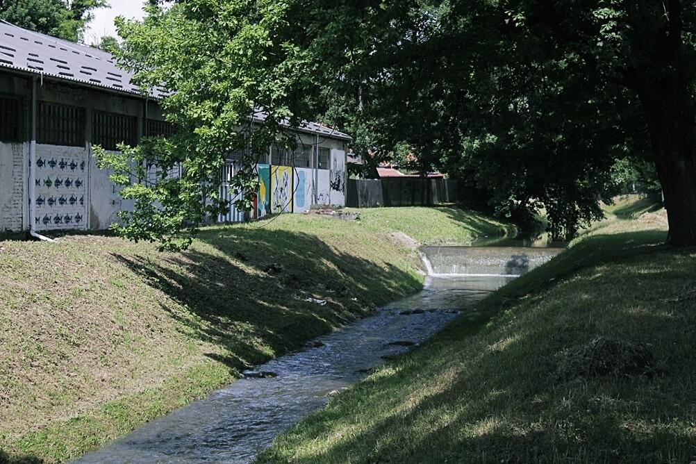 [FOTO] Svevremenska opomena A. B. Šimića osvanula na dojmljivom grafitu uz Šumarski fakultet