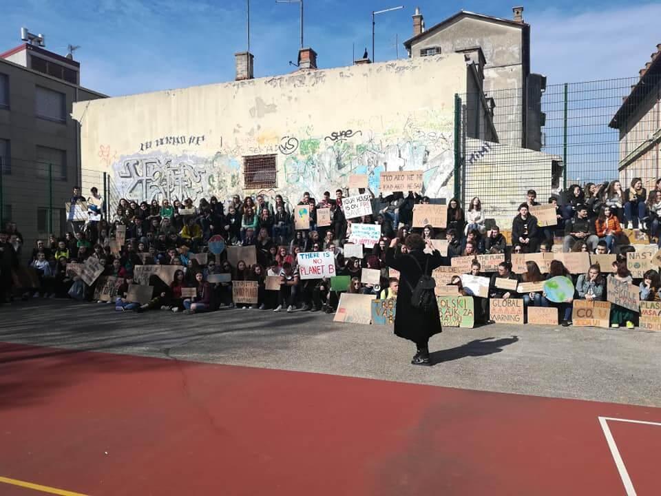 Ministarstvo zaštite okoliša očitovalo se o prosvjedu učenika, a u priopćenju napravili 'fail'