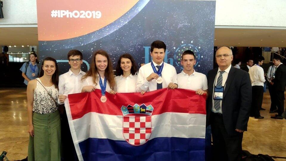 Senzacionalan uspjeh naših učenika: 'Pobrali' dvije medalje na olimpijadi iz fizike