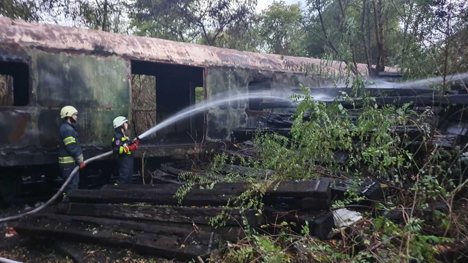 Veliki požar na borongajskom kampusu: Vatrogasci ga gasili čak četiri i pol sata!