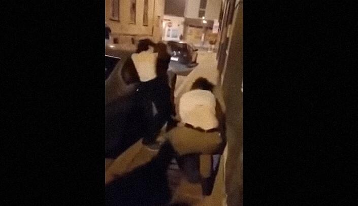 [VIDEO] Četiri djevojke brutalno se potukle ispred kluba u Slavonskom Brodu