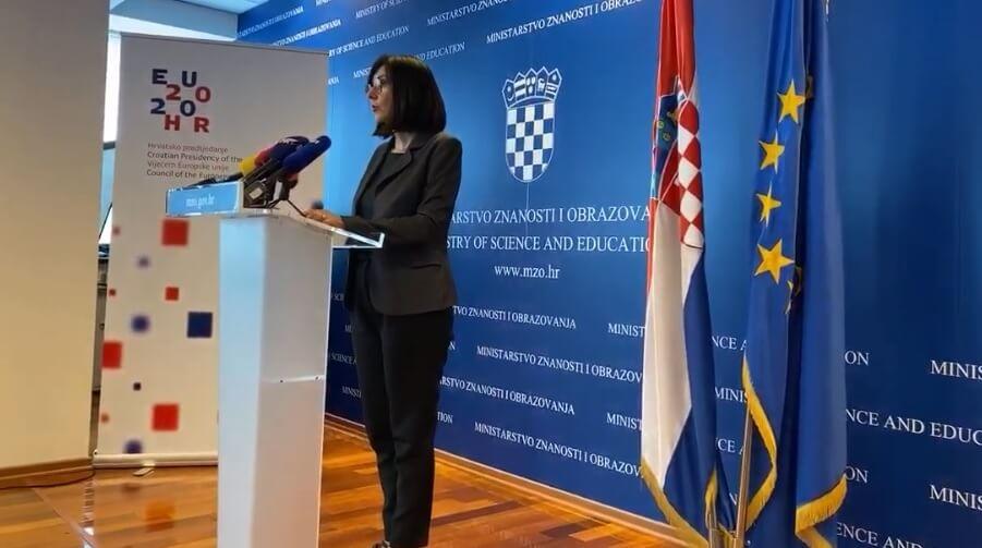 Za neprimjerena ponašanja u online učionici – ukor: Ministrica Divjak poslala važnu poruku učenicima