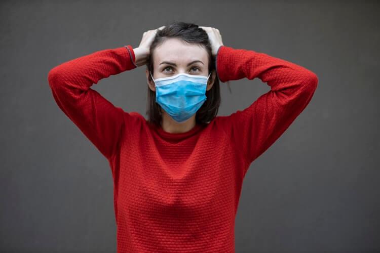 Maska i naočale nisu bajna kombinacija: Tri savjeta kako spriječiti njihovo magljenje